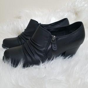BareTraps Black Reina Ankle Booties Sz 8W